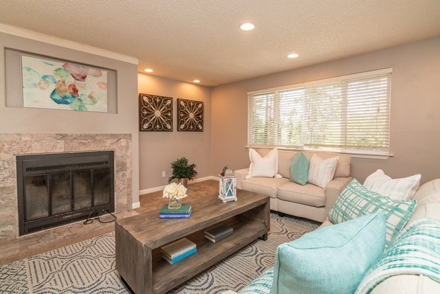 Sellers' Living Room Makeover AFTER